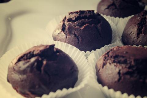 Шоколадно-свекольные капкейки